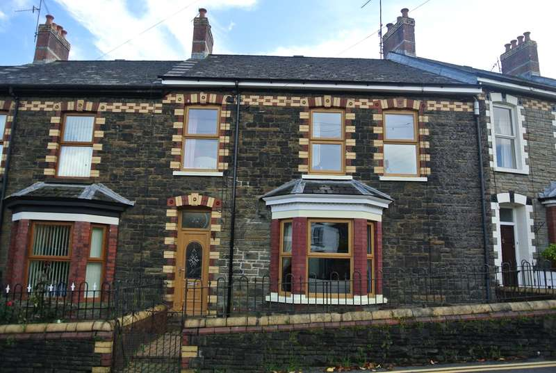 3 Bedrooms Terraced House for sale in Victoria Road, Cwmfields, PONTYPOOL, NP4