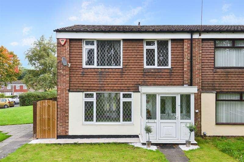 3 Bedrooms Town House for sale in Beeches Way, West Heath, Birmingham