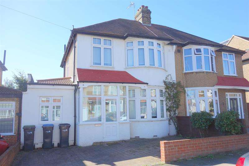 3 Bedrooms Semi Detached House for sale in Hillside Crescent, Enfield