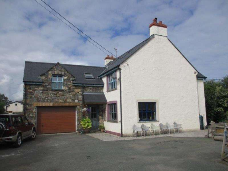5 Bedrooms Detached House for sale in Dinas Cross, Newport