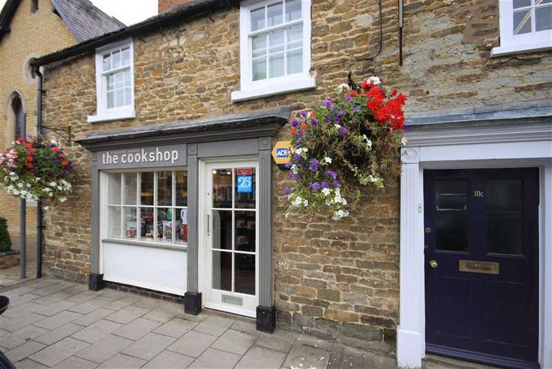 Terraced House for rent in Mill Street, Oakham, Rutland