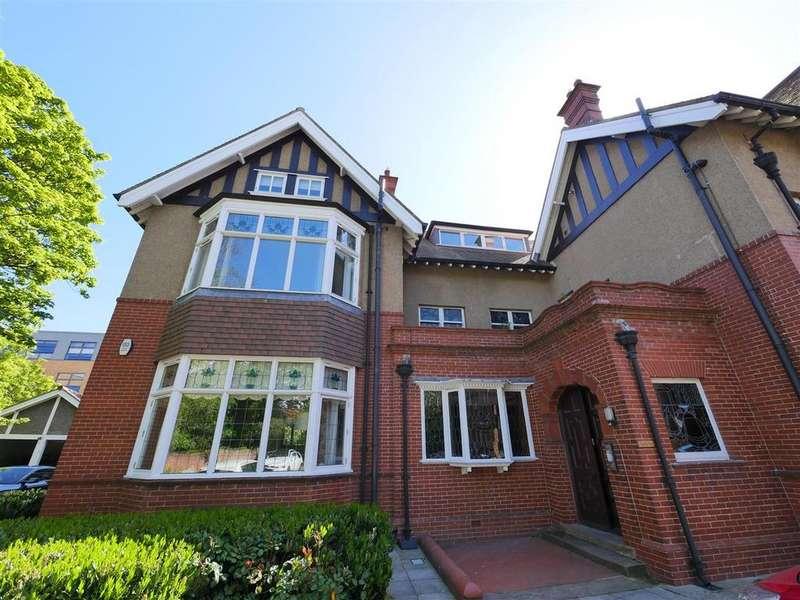 2 Bedrooms Apartment Flat for sale in Cloverdale House, Thornholme Road, Sunderland