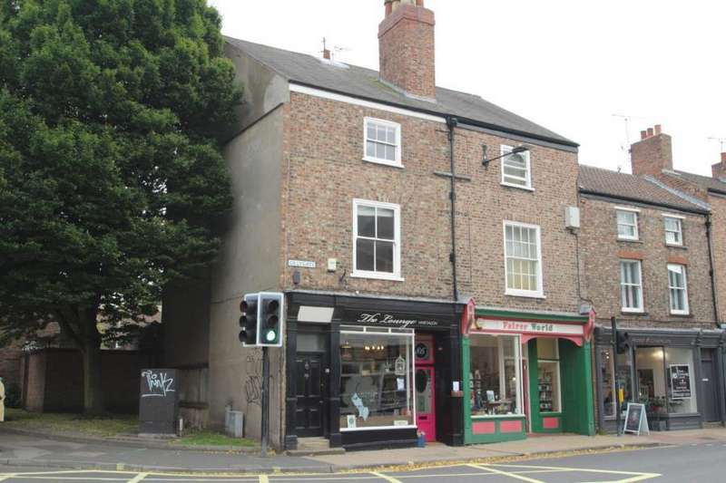 4 Bedrooms Maisonette Flat for sale in GILLYGATE, YORK, YO31 7EQ
