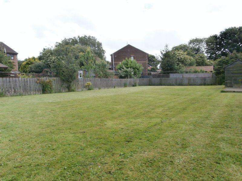 2 Bedrooms Cottage House for sale in Hornsea Road, Aldbrough