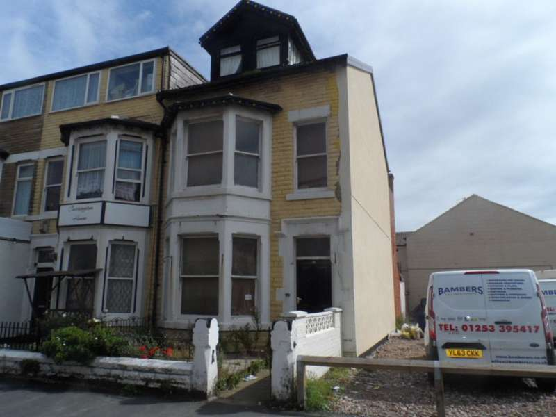 5 Bedrooms Property for sale in 29, Blackpool, FY1 6BS
