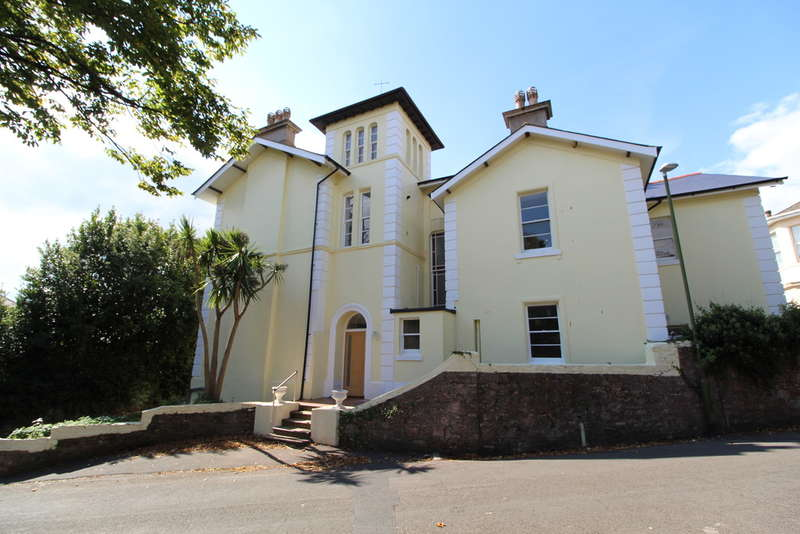 2 Bedrooms Flat for sale in Cleveland Road, Torquay