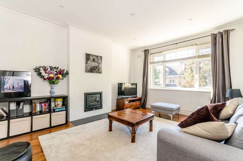 3 Bedrooms Maisonette Flat for sale in Queen Anne Avenue, Bromley, BR2