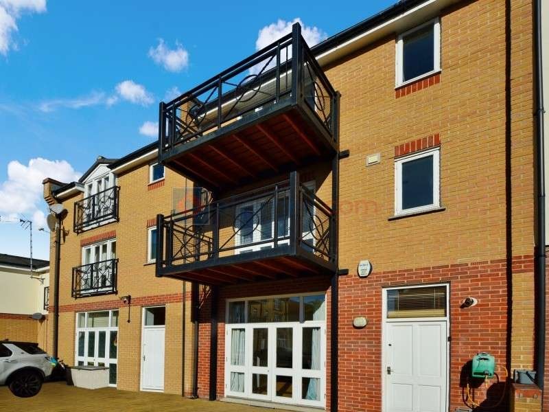 4 Bedrooms Town House for sale in Plough Way, Surrey Quays SE16
