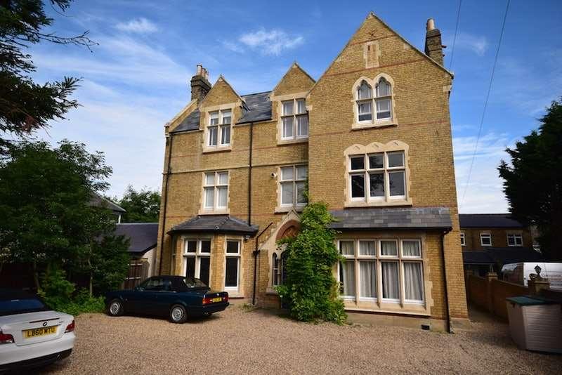 3 Bedrooms Penthouse Flat for sale in Dartford Road, Bexley, Kent, DA5