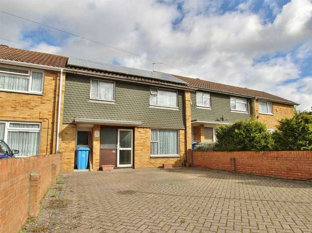 3 Bedrooms Terraced House for sale in Dale Valley Road, Oakdale, POOLE, Dorset