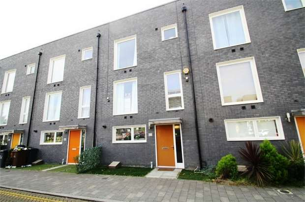 4 Bedrooms Terraced House for sale in Drake Close, Barking, Essex