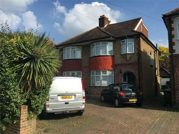 4 Bedrooms Semi Detached House for sale in Meadowview Road, Ewell