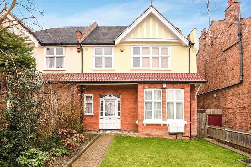 2 Bedrooms Maisonette Flat for sale in Roxborough Park, Harrow, Middlesex, HA1