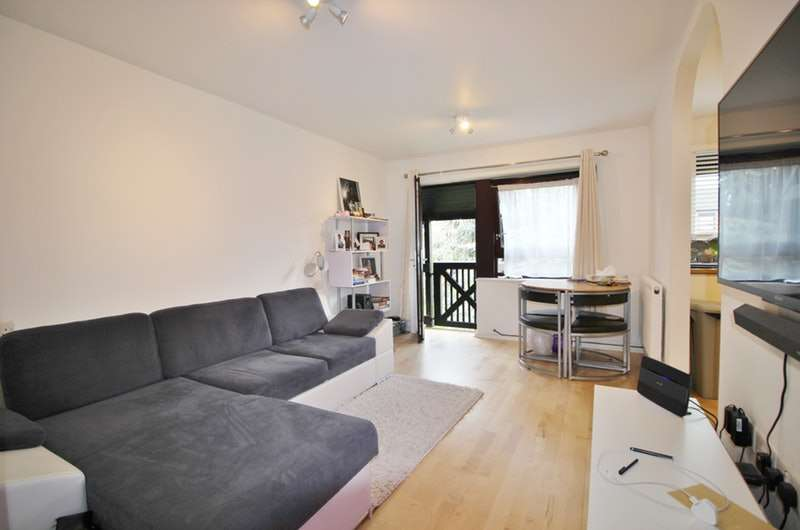 1 Bedroom Flat for sale in Hartington Close, Harrow, London, HA1