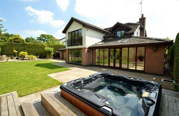 5 Bedrooms Detached House for sale in Prestwick Close, Tytherington, Macclesfield, Cheshire
