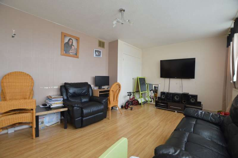 3 Bedrooms Flat for sale in Hazel Grove, Sydenham, SE26