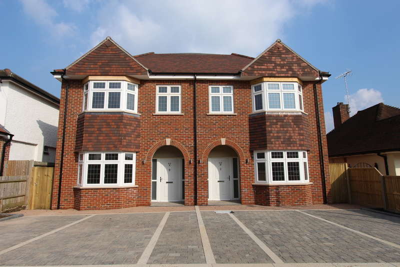 4 Bedrooms Semi Detached House for sale in Beechcroft Avenue, New Malden