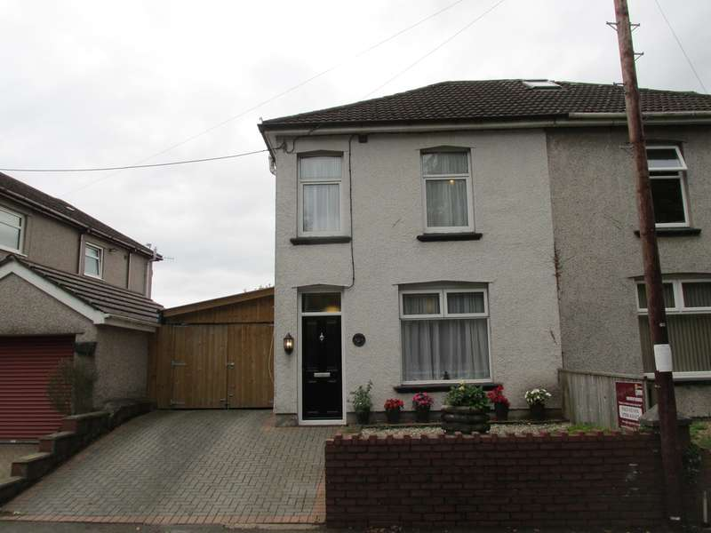 2 Bedrooms Semi Detached House for sale in Risca Road, Rogerstone, Newport, NP10