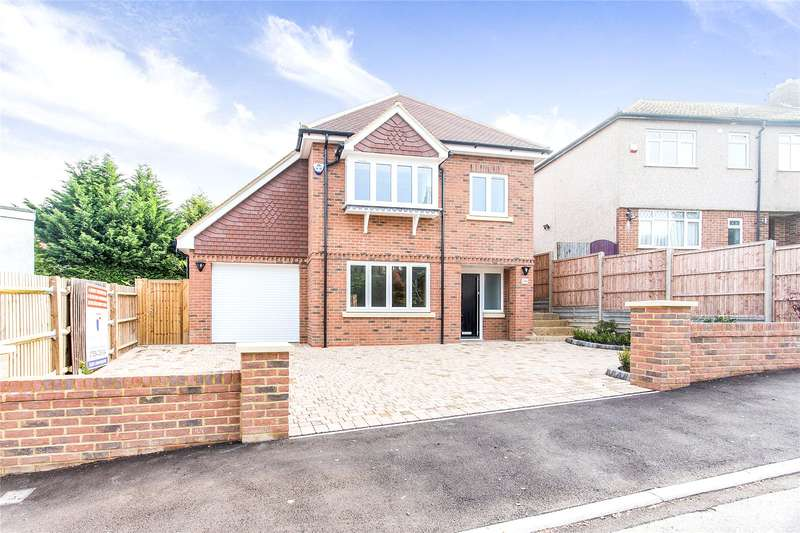 4 Bedrooms Detached House for sale in Garratts Road, Bushey, Hertfordshire, WD23