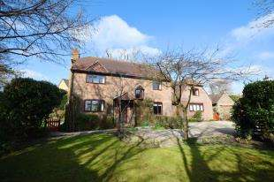 5 Bedrooms Detached House for sale in Ersham Road, Hailsham, East Sussex