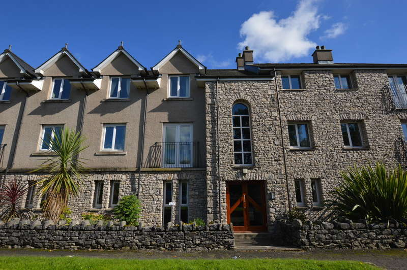 2 Bedrooms Flat for sale in Weavers Court, Kendal