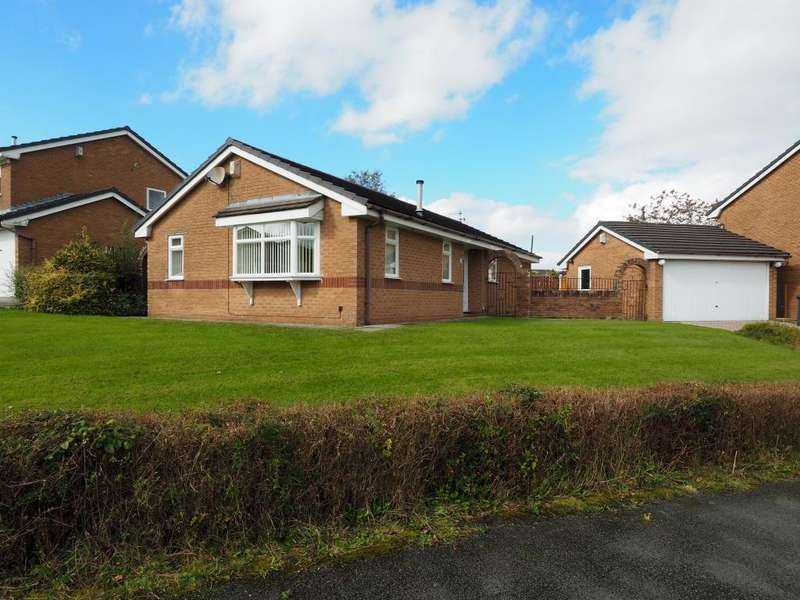 3 Bedrooms Detached Bungalow for sale in Brookside Road, Chapel-en-le-Frith, High Peak, Derbyshire, SK23 0NE