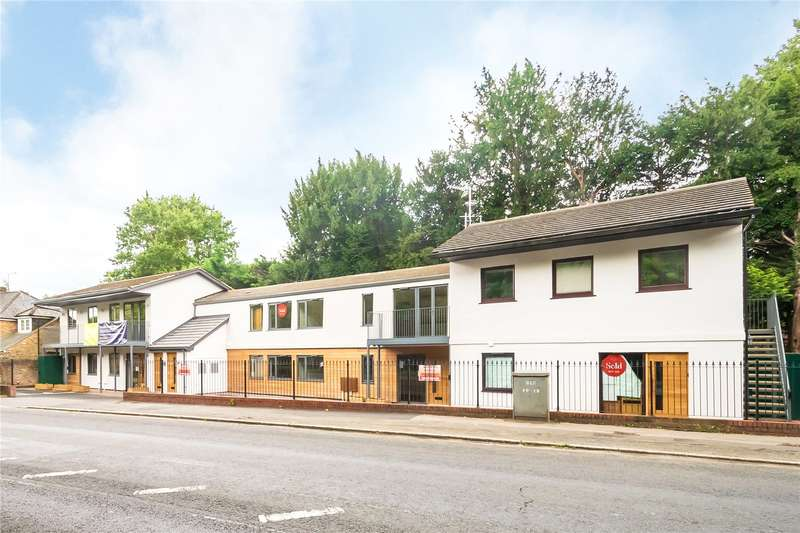 1 Bedroom Flat for sale in Greenside View, Oxford Road, Gerrards Cross, Buckinghamshire, SL9