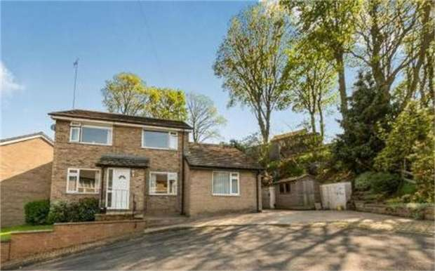3 Bedrooms Detached House for sale in Spring Rise, Glossop, Derbyshire