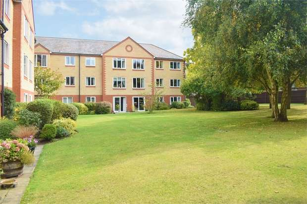 1 Bedroom Flat for sale in Exeter Drive, Colchester, Essex