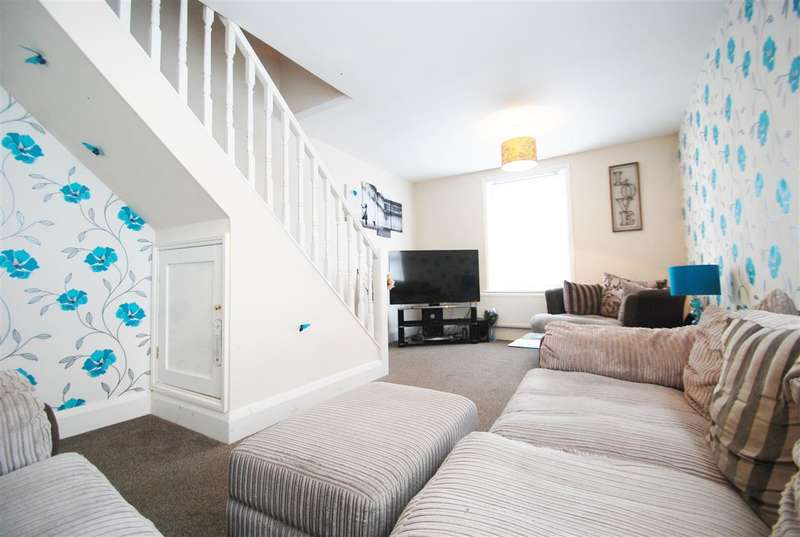 2 Bedrooms Maisonette Flat for sale in Flat 9, 42 South Parade, Skegness