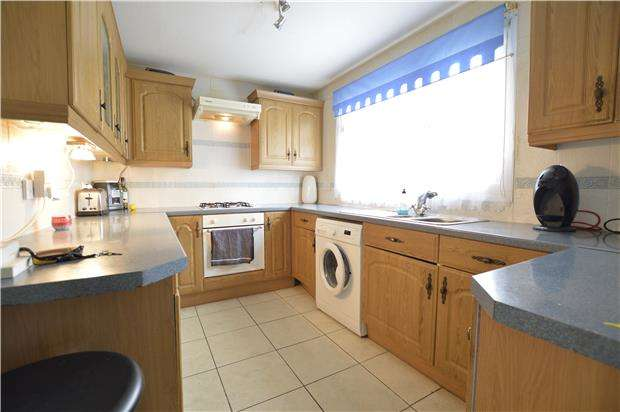 3 Bedrooms Terraced House for sale in Ditchling Drive, HASTINGS, East Sussex, TN35 5EX