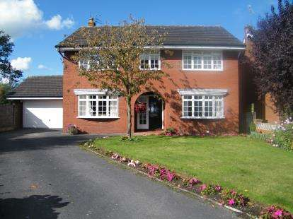 4 Bedrooms Detached House for sale in Plover Avenue, Winsford, Cheshire, England