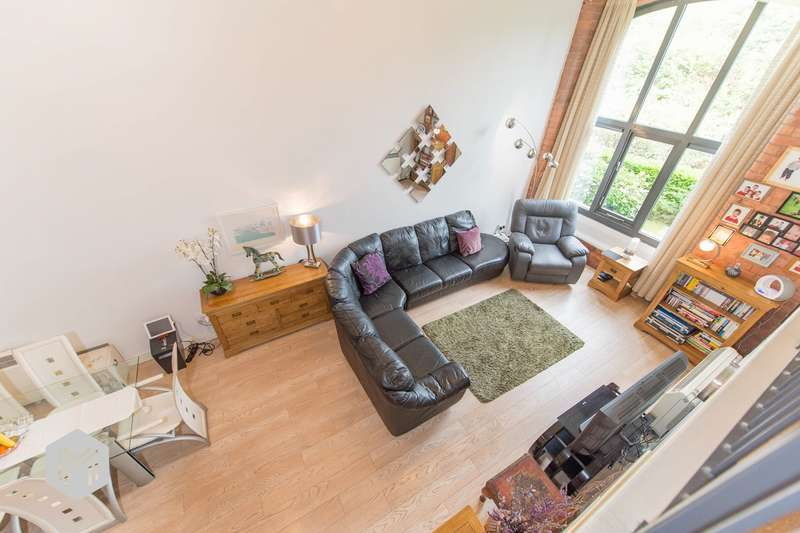 2 Bedrooms Apartment Flat for sale in Cottonfields, Eagley, Bolton, BL7
