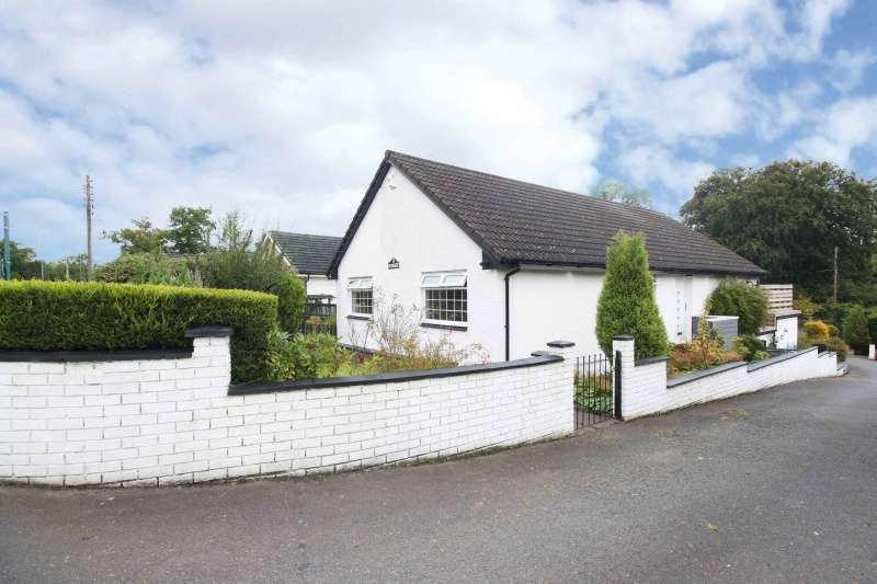 5 Bedrooms Bungalow for sale in Main Street, Old Plean, Stirling, FK7 8BH