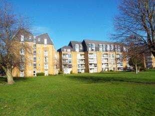 1 Bedroom Flat for sale in Homepine House, Sandgate Road, Folkestone, Kent