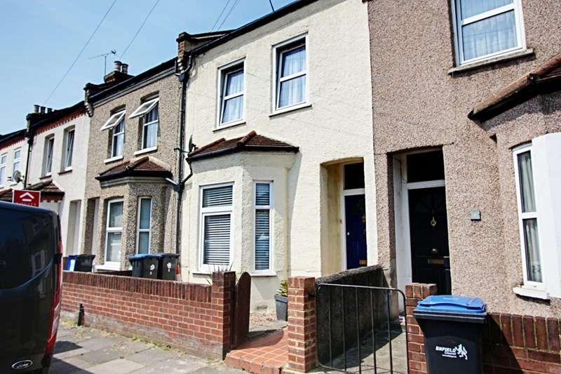 4 Bedrooms Property for sale in Drake Street, Enfield