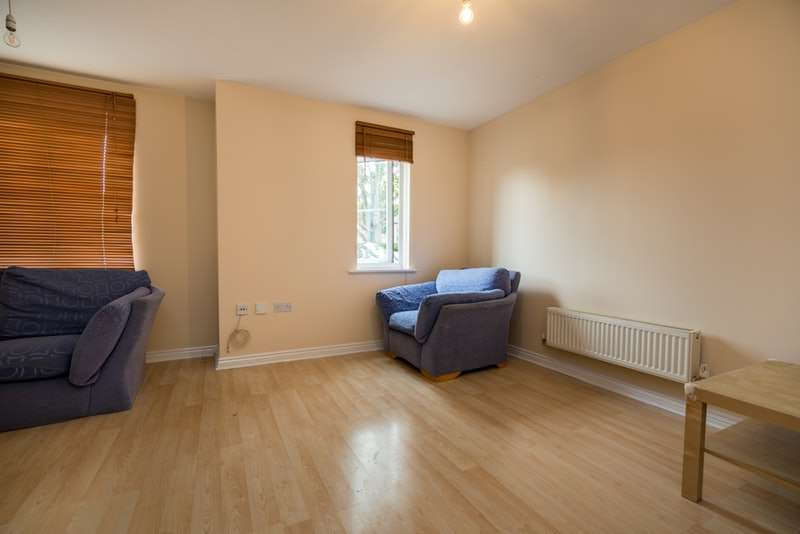 2 Bedrooms Flat for sale in Downing court, Borehamwood, Herefordshire, Wd6