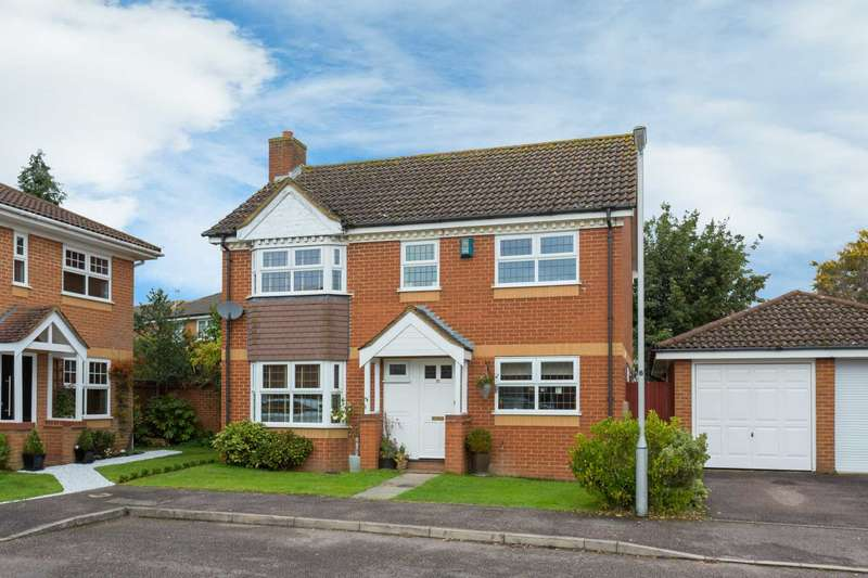 4 Bedrooms Detached House for sale in Autumn Glades, Leverstock Green, Hemel Hempstead