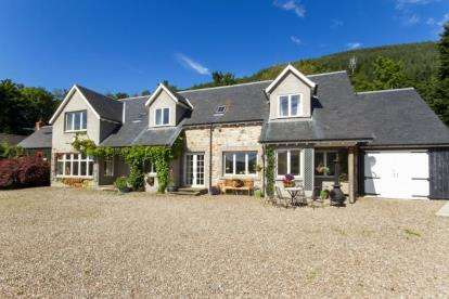 5 Bedrooms Detached House for sale in Lochearnhead, Perthshire