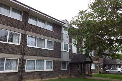 2 Bedrooms Flat for sale in Walnut Avenue, Swaythling, Southampton