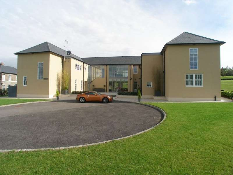 2 Bedrooms Flat for rent in 5 Talbot House, Hensol Castle Park, CF72 8JY