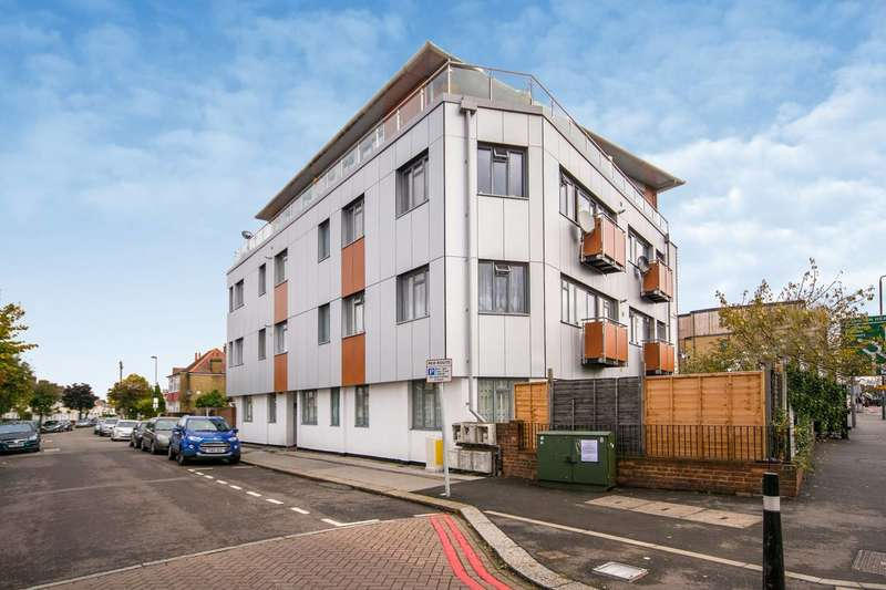 1 Bedroom Flat for sale in Thornton Road, Croydon, CR7
