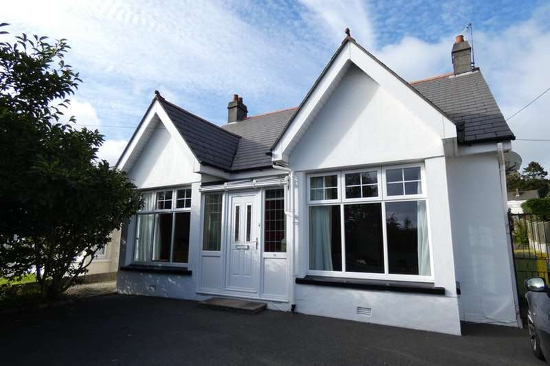4 Bedrooms Bungalow for sale in Southbourne Road, St. Austell, Cornwall, PL25