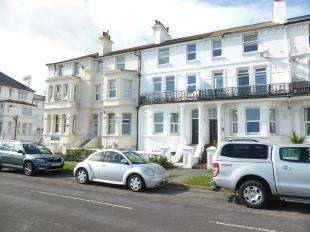 3 Bedrooms Maisonette Flat for sale in Marine Parade, Littlestone, Romney Marsh, Kent