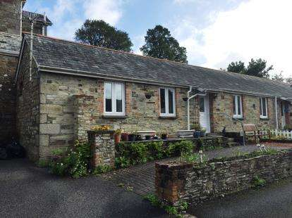 2 Bedrooms Bungalow for sale in Bodmin, Cornwall