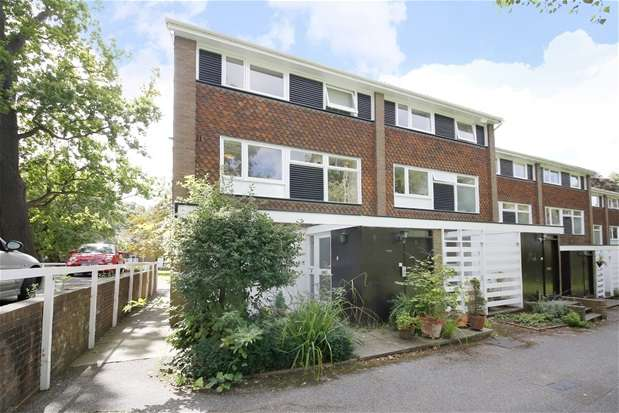 3 Bedrooms Maisonette Flat for sale in Breakspeare, College Road, Dulwich