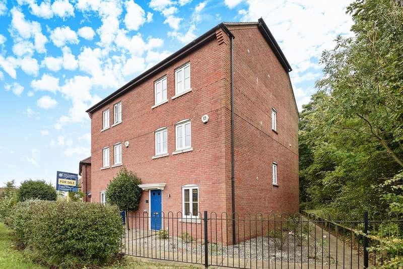 4 Bedrooms Town House for sale in Priest Down, Beggarwood, Basingstoke, RG22