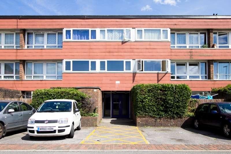 1 Bedroom Flat for sale in Farnham Gardens, Raynes Park, London, SW20