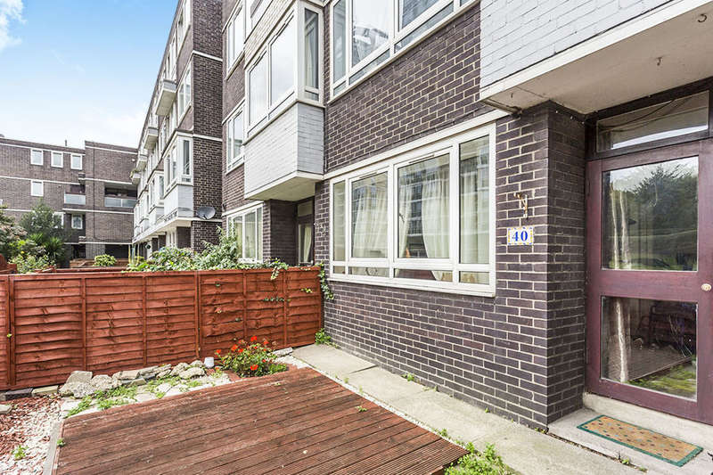 3 Bedrooms Flat for sale in Longland Court Rolls Road, London, SE1