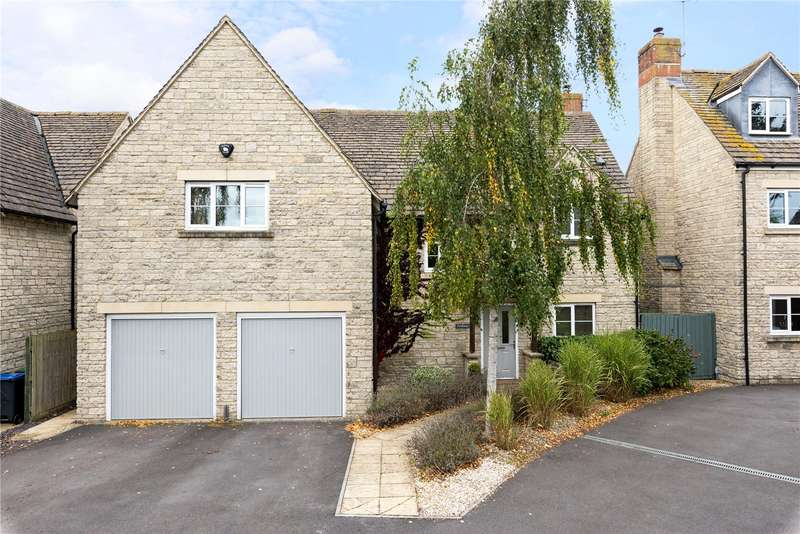 4 Bedrooms Detached House for sale in Croft Close, Latton, Wiltshire, SN6
